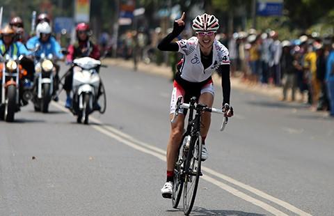 Giải xe đạp nữ quốc tế Biwase 2016: Nữ cuarơ Nhật thắng đỉnh đèo Bảo Lộc