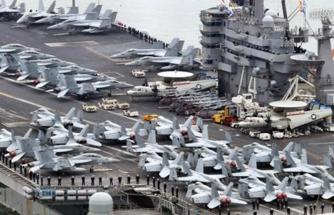 Mỹ điều tàu sân bay cảnh báo Triều Tiên