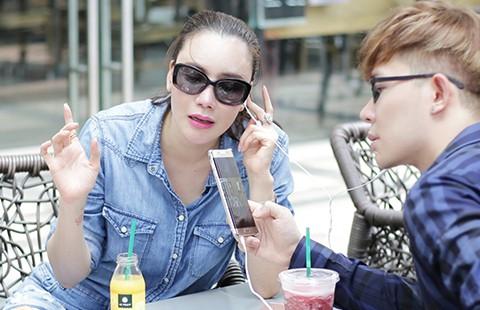 Hồ Quỳnh Hương mua độc quyền nhạc Nathan Lee