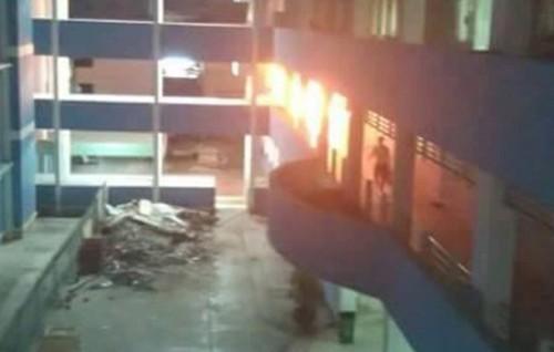 BV Tiền Giang cháy dữ dội giữa đêm
