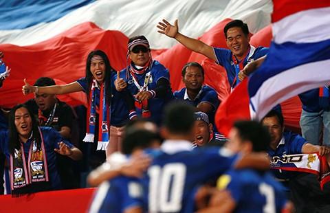 Vòng loại World Cup 2018: Về đích sớm, Thái Lan mở tiệc mừng
