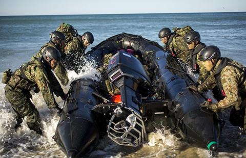 Nhật chuẩn bị tác chiến thủy-bộ