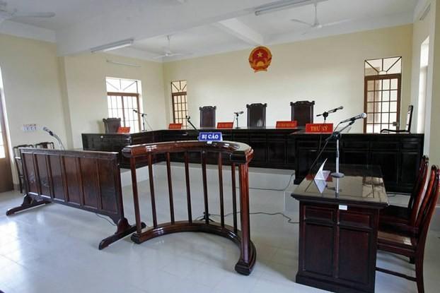 Nối mạng trực tuyến từ phòng xử án