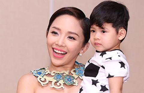 Tóc Tiên tặng học bổng cho thí sinh Vietnam Idol Kids