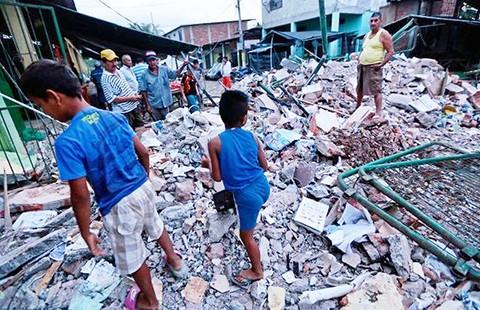 Động đất từ Ecuador lan đến Colombia