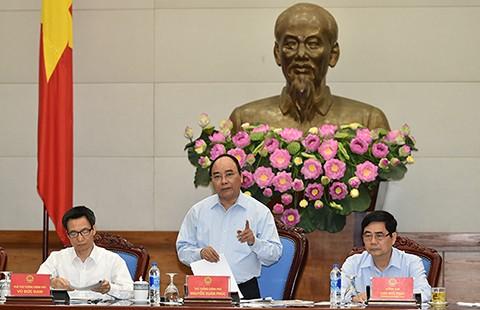 Thủ tướng Nguyễn Xuân Phúc: 'Phải bảo vệ mạng sống của dân!'