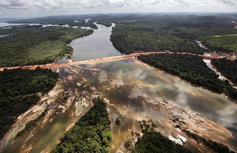 Từ 'siêu dự án sông Hồng': Thấy gì từ các đại dự án?