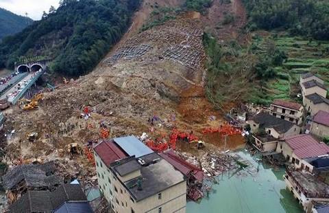 100.000 m3 bùn chôn vùi nhà máy thủy điện