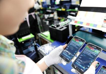 Việt Nam xuất khẩu điện thoại đạt gần 10 tỉ USD