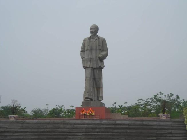 Tượng đài Chủ tịch Hồ Chí Minh: Chỉ xây khi Thủ tướng đồng ý