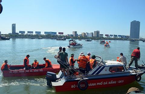Sau vụ chìm tàu trên sông Hàn: Mối lo 'độ' tàu cá thành tàu du lịch