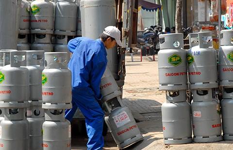 Bỏ ra cả chục tỉ đồng mua bình gas... không biết để làm gì?