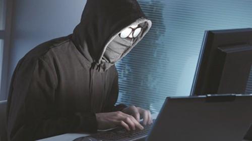 Nhà báo bị người dẫn đường trộm đồ tác nghiệp