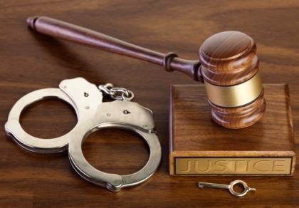 Khiển trách 2 cán bộ VKS phê chuẩn bắt người oan