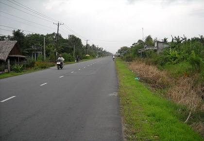 Quốc lộ 61 mới nâng cấp đã xuống cấp