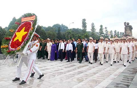 Lãnh đạo Đảng, Nhà nước tưởng niệm các anh hùng liệt sĩ