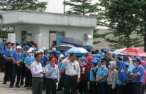 Công đoàn lúng túng khởi kiện nợ BHXH