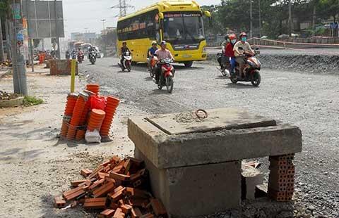 Nhà dân ngập vì nâng đường, ai chịu trách nhiệm?