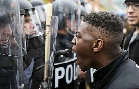 Bộ Tư pháp Mỹ công bố báo cáo điều tra cảnh sát bạo hành