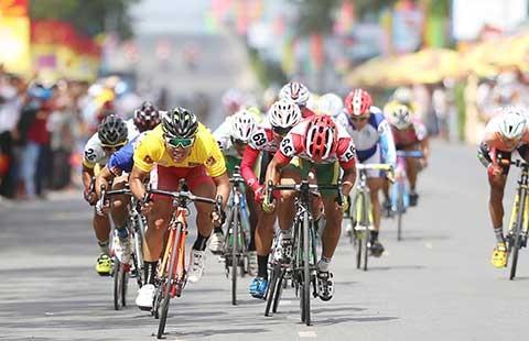 Giải đua xe đạp quốc tế VTV - Cúp Tôn Hoa Sen: 1.050 km chinh phục áo vàng
