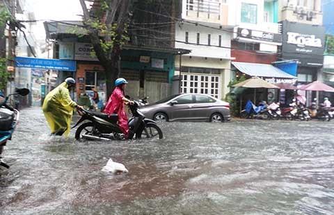 Áp thấp có khả năng mạnh thành bão hướng vào Khánh Hòa - Quảng Ngãi