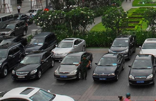 Giá khoán xe công cho thứ trưởng BTC là 15.000 đồng/km