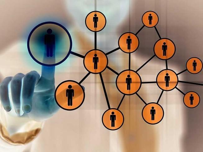 Kinh doanh trái phép trên mạng: Không xử hình sự?