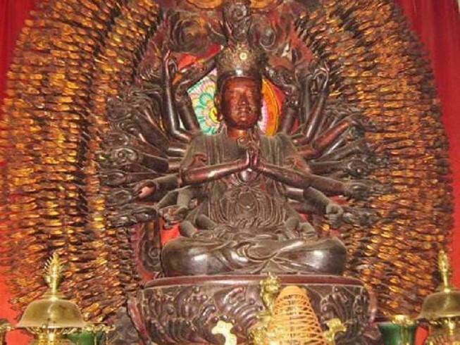Tượng Phật ngàn tay hàng trăm năm bị đánh cắp