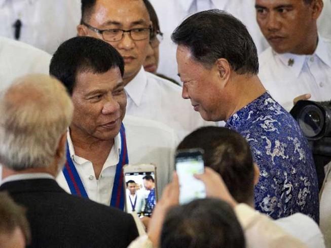 Ông Duterte cần gì ở Trung Quốc?