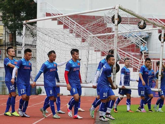 Đội tuyển Việt Nam gặp khó tại mưa!