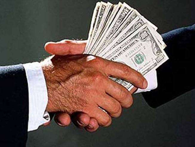 Chống tham nhũng khu vực tư: Đừng quá lo lạm quyền