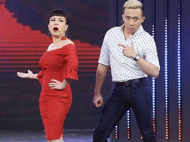 Việt Hương lần đầu làm liveshow giúp người nghèo