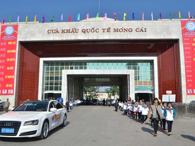 Xe Trung Quốc được tự lái vào Việt Nam du lịch?