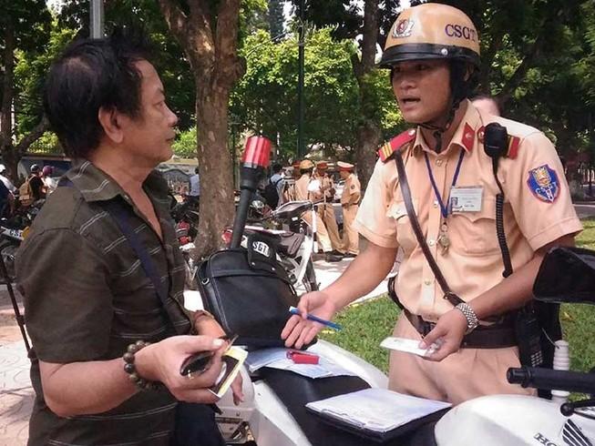 Phạt giao thông: Dân có quyền đòi bằng chứng