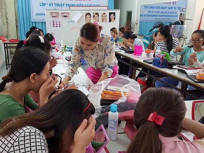 TP.HCM trao 100 tỉ đồng giúp phụ nữ thoát nghèo