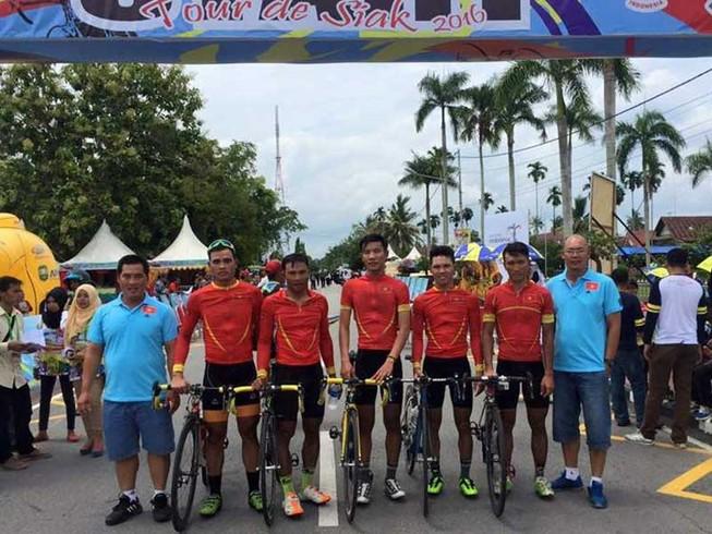 Trịnh Đức Tâm đoạt áo vàng, đội VN vô địch đồng đội