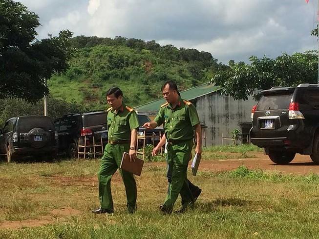 Công an 2 tỉnh truy bắt nhóm bắn chết 3 người