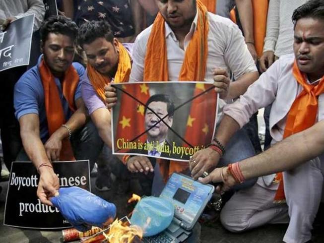 Căng thẳng biên giới, Ấn Độ tẩy chay hàng Trung Quốc