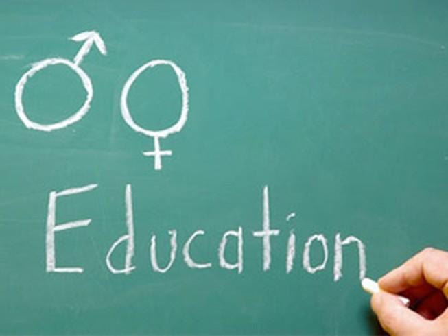 Hiệu trưởng xấu hổ khi nói về giáo dục giới tính