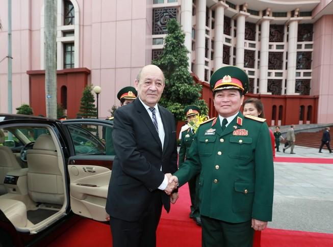 Thúc đẩy hợp tác quốc phòng Việt - Pháp