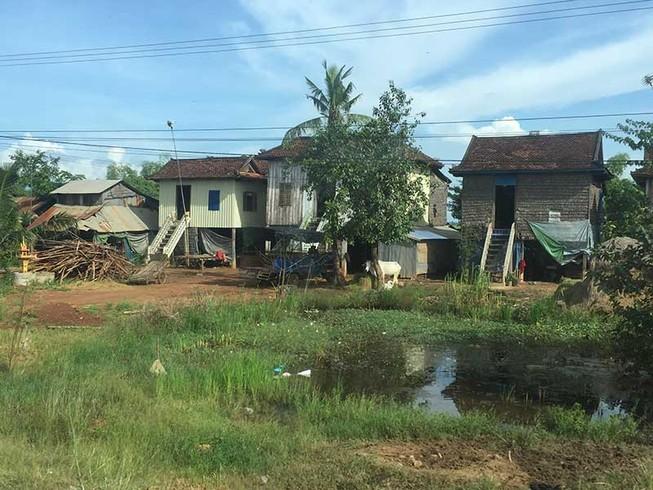 Campuchia du ký - bài 2: Dấu ấn nhà sàn