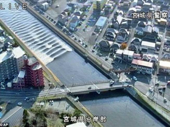Sóng thần cao 1,4 m xuất hiện ở Nhật