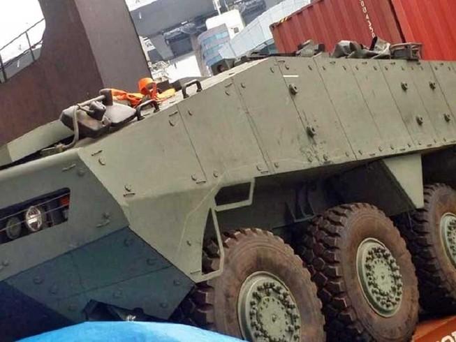 Trung Quốc và Singapore lên tiếng về 9 xe bọc thép
