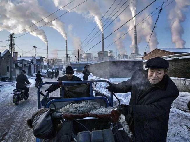 Trung Quốc ồ ạt xây nhà máy điện chạy than