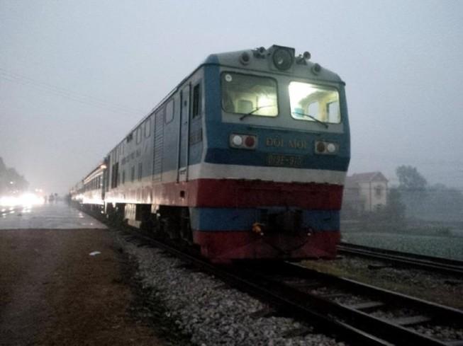 Vé giả và chuyến tàu sum họp