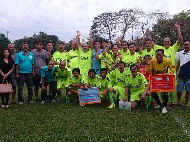Giải bóng đá lão tướng lần 32: Đội CA TP.HCM vô địch