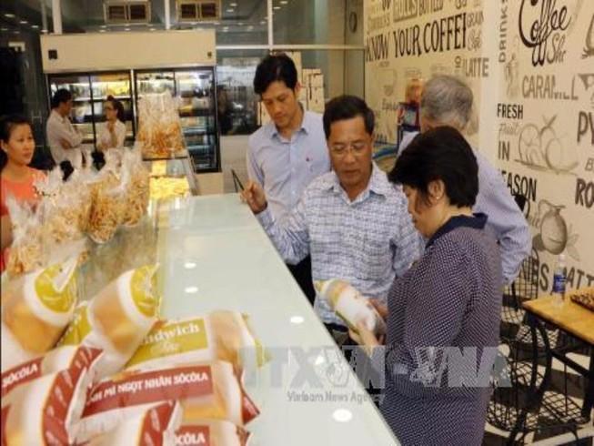 Đề xuất lập 'trung tâm an toàn thực phẩm' ở miền Tây