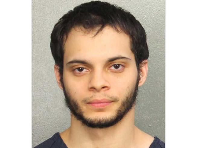 Lấy súng trong hành lý ký gửi bắn chết 5 người