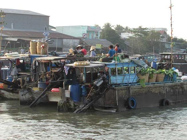 Cần Thơ không có tàu để chữa cháy trên sông