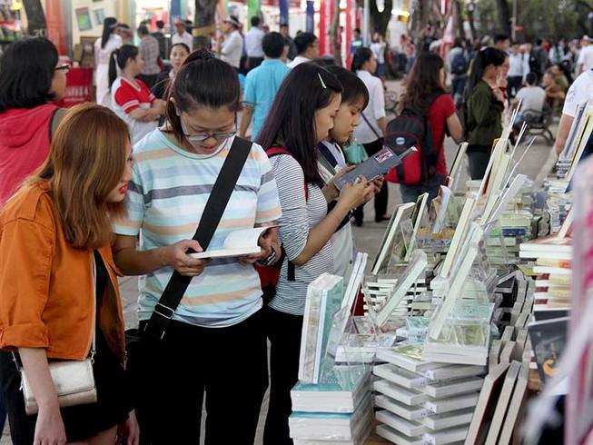 28 Tết: Khai mạc lễ hội đường sách